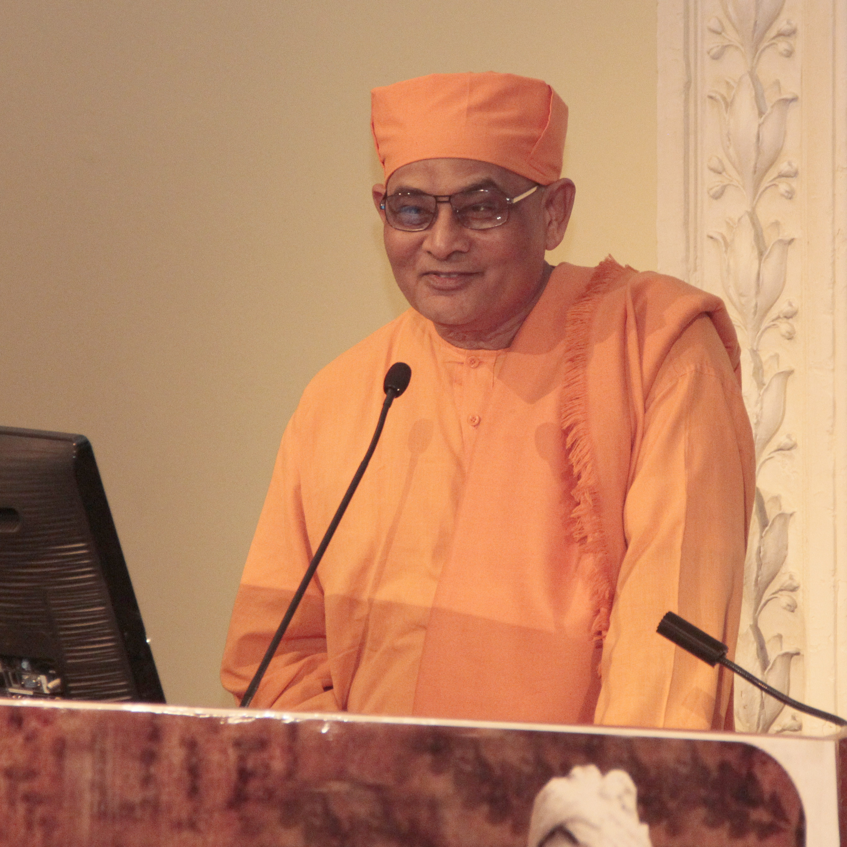 Swami Nikhileshwarananda